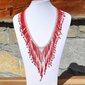 collier tacana rouge