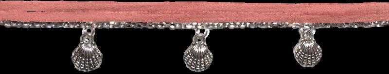 breloques-coquillages-et-chaine-argentees-et-suedine-rose