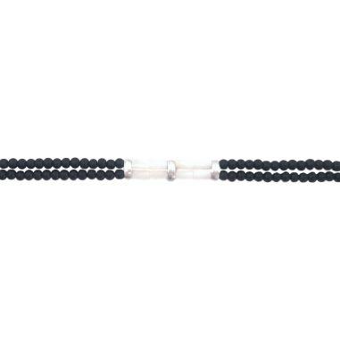 Perles de nacre et perles noires argentées