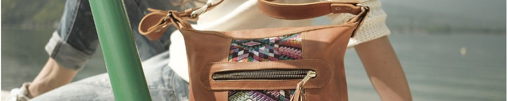 Hiilos : Mini Bag Trendy, le Rosa, cuir et huipil unique